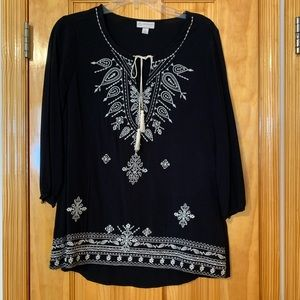 DRESSBARN Black & Cream Embroidered Peasant Top